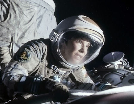 10 Terrifying Scenarios in Films Gravity1