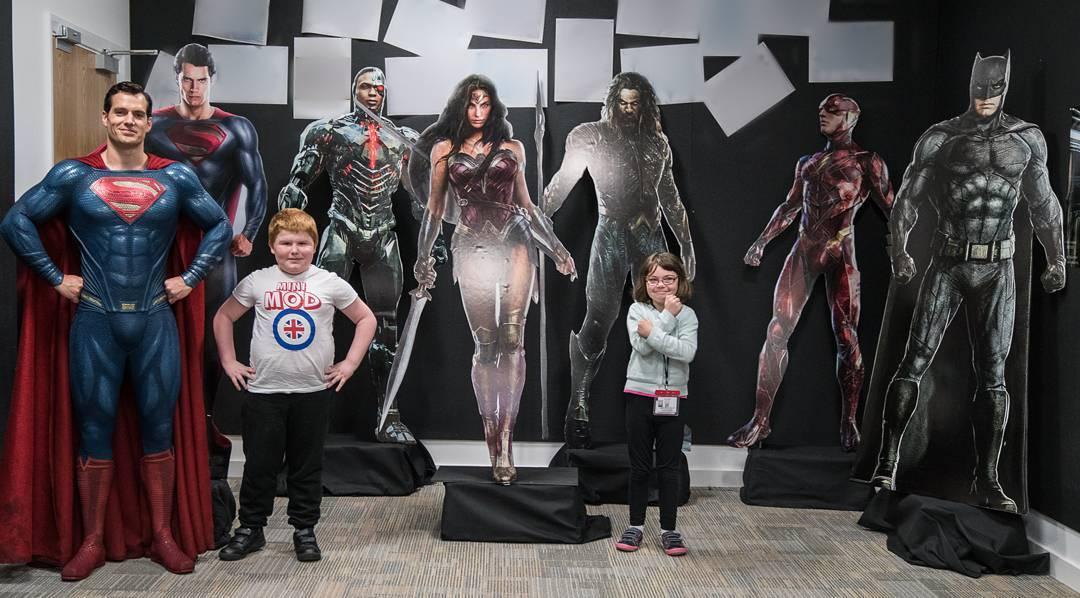 Henry Cavill Reveals Justice League Promo Art In Instagram