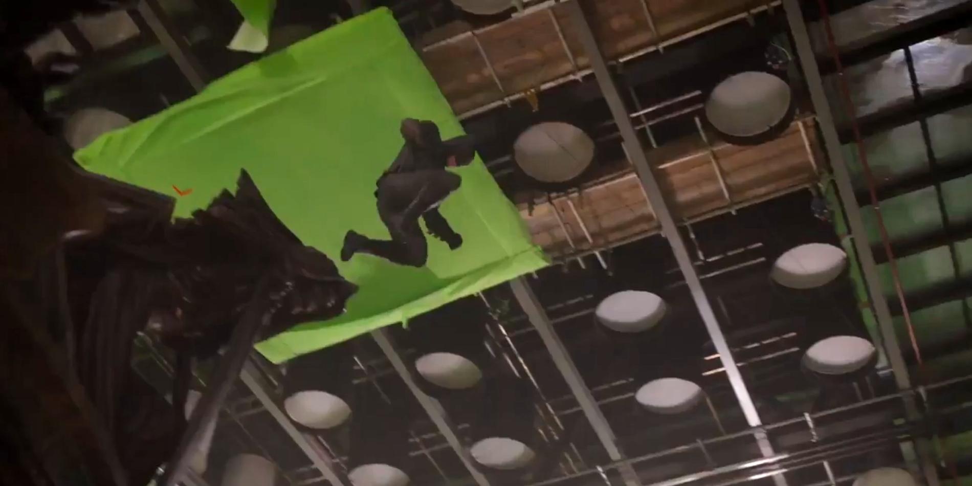 http://screenrant.com/wp-content/uploads/2016/10/Justice-League-Batman-Gargoyle.jpg