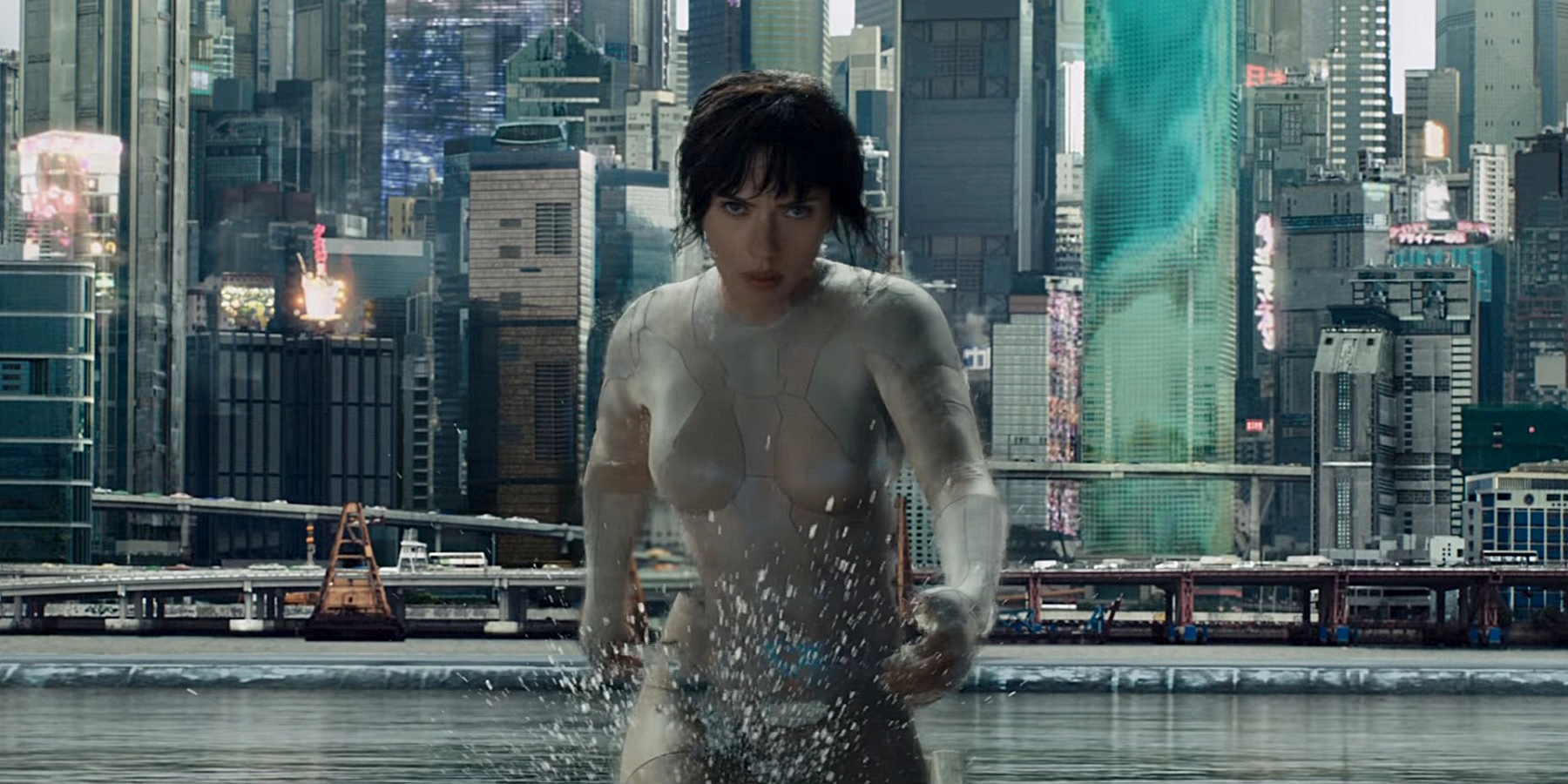 Ghost in the Shell Trailer - Major cloaking