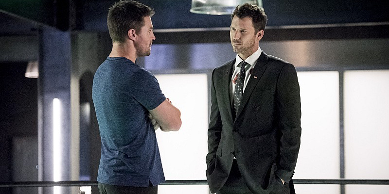 Stephen Amell and Wil Traval in Arrow Season 5 Arrow: Human Target Review & Discussion