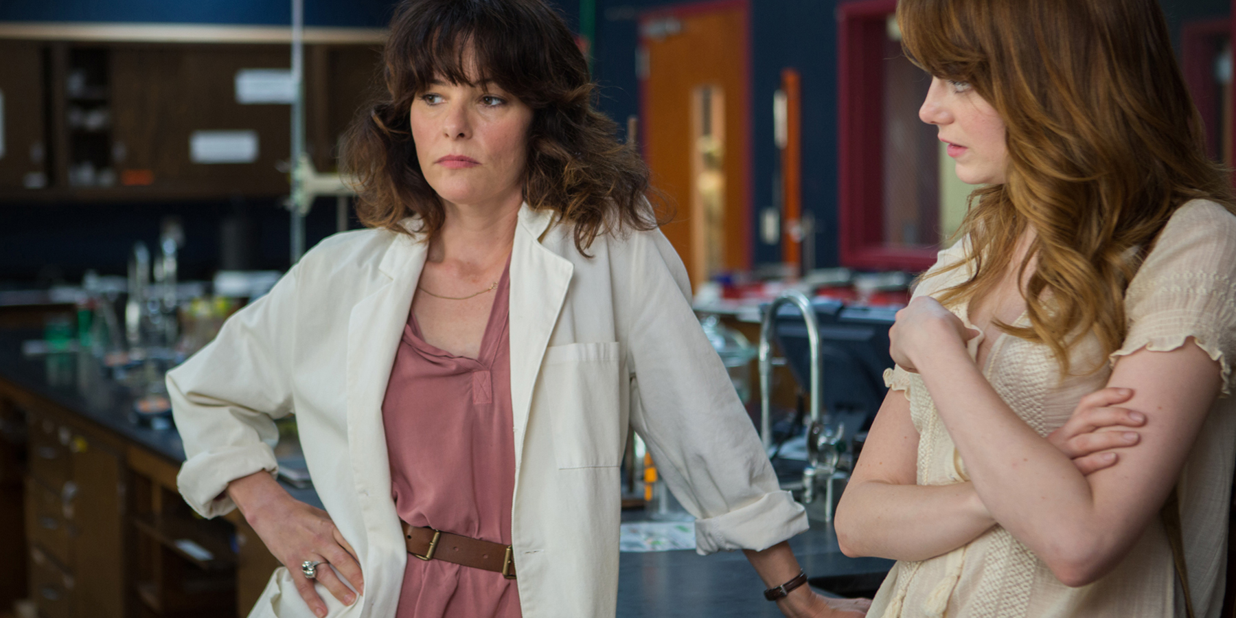 Netflix S Lost In Space Series Casts Parker Posey As Dr Smith