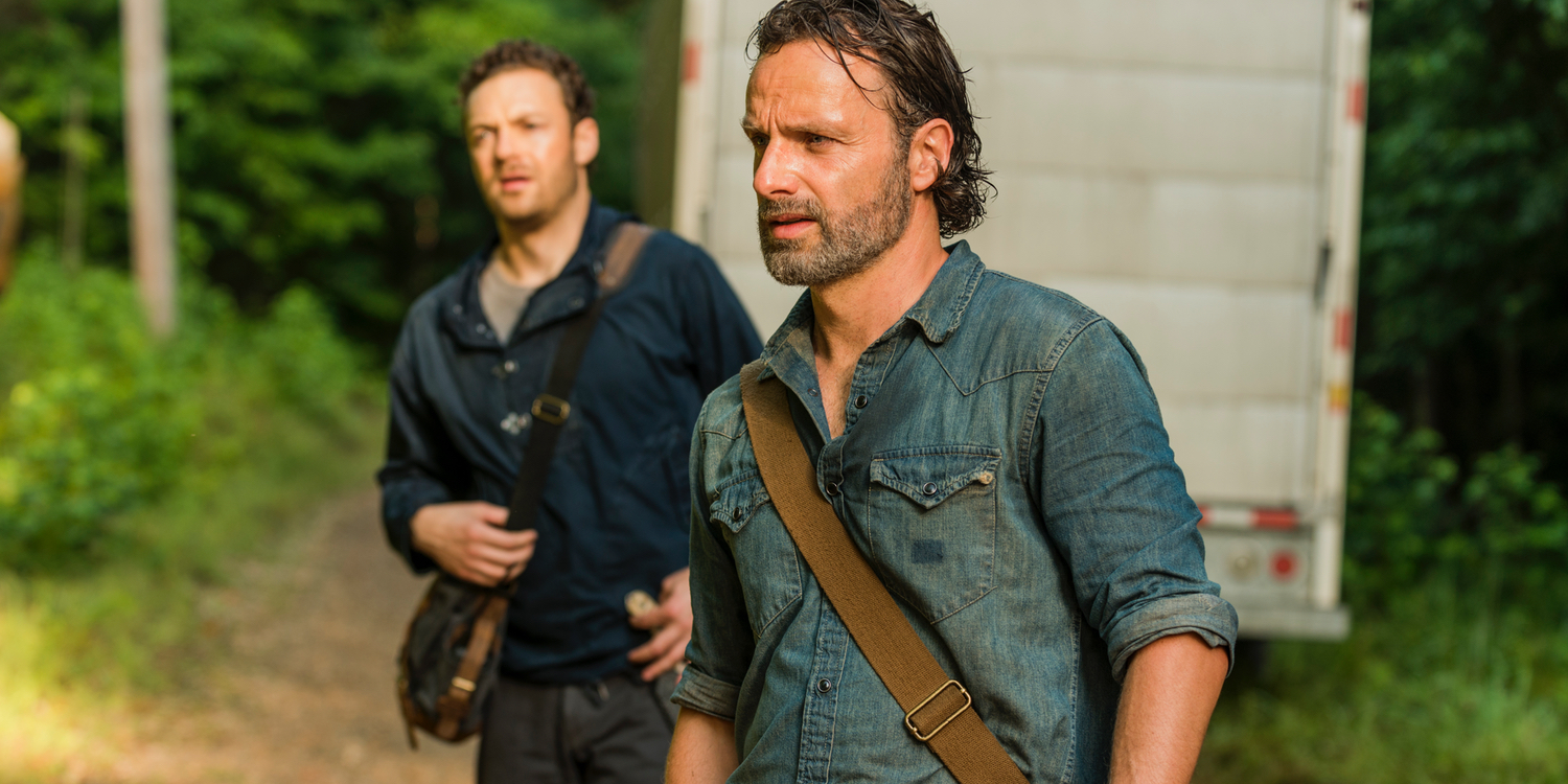 Ross Marquand as Aaron and Andrew Lincoln as Rick in The Walking Dead Season 7 Episode 7