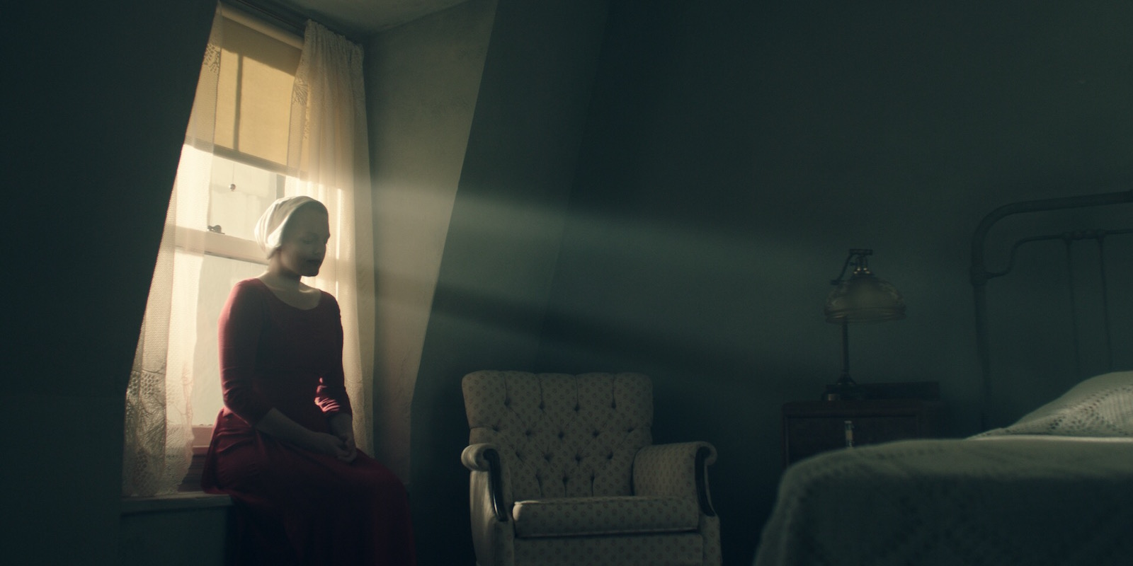 The Handmaid's Tale Elisabeth Moss Photos