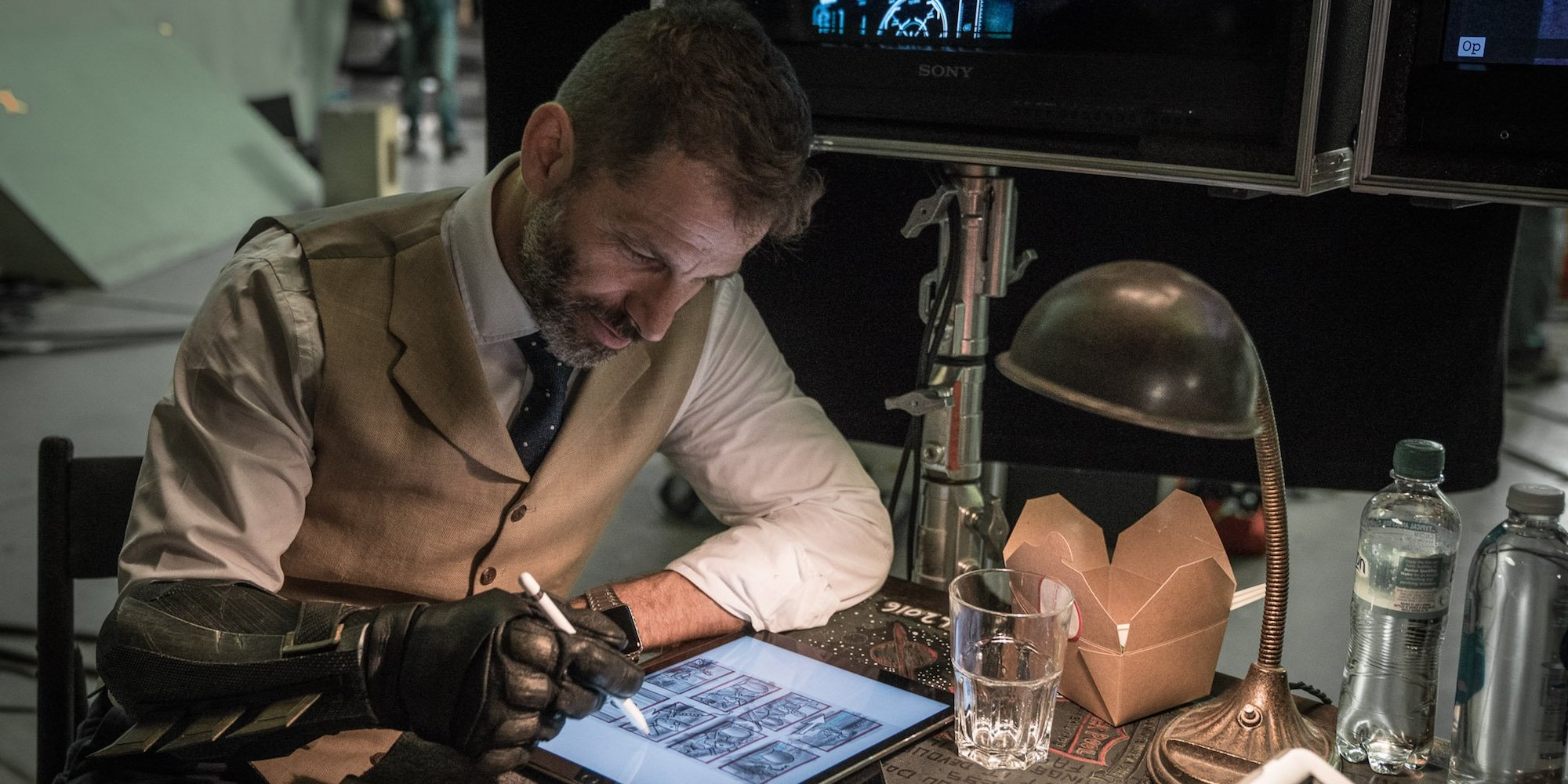zack snyder s 300 archetypes In a career full of divisive movies, zack snyder's watchmen still stands as one of the most polarizing it's not as universally hated as batman v superman nor as universally tolerated as 300.