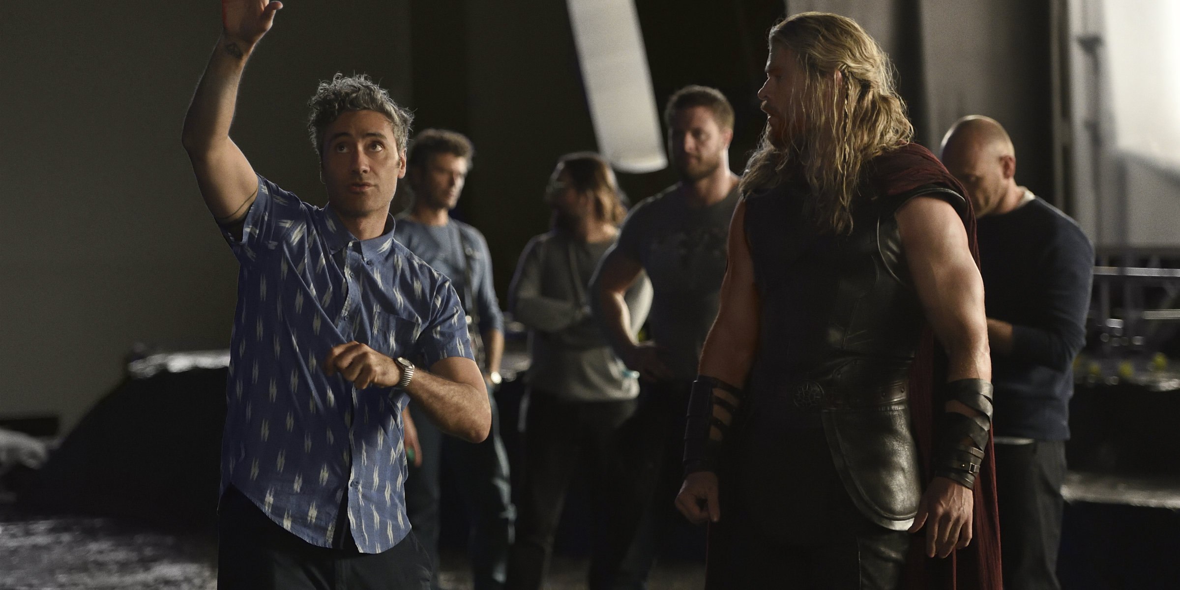 Thor: Ragnarok - Taika Waititi and Chris Hemsworth