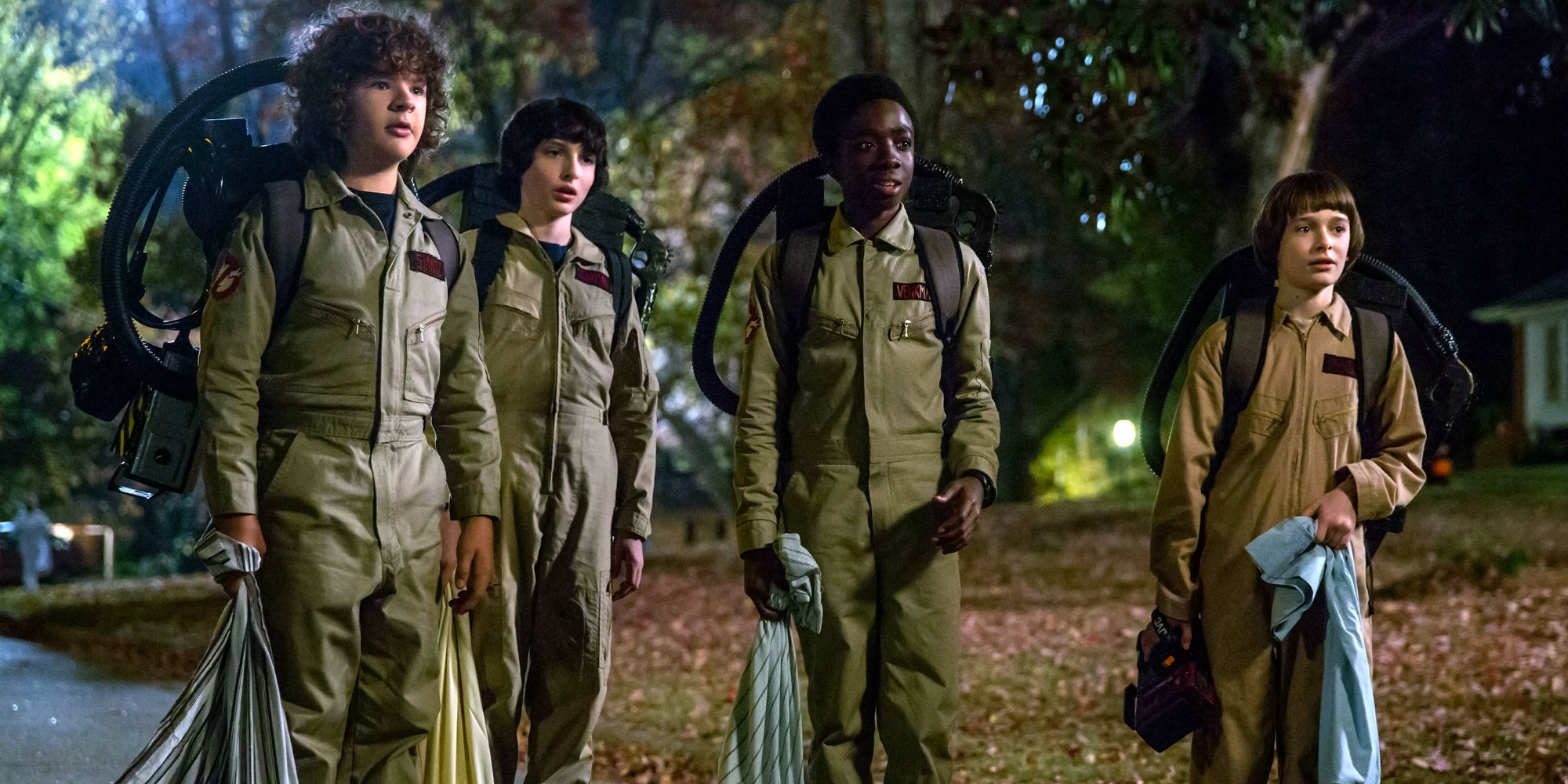 Strangers Things season 2 - Main cast as Ghostbusters for Halloween