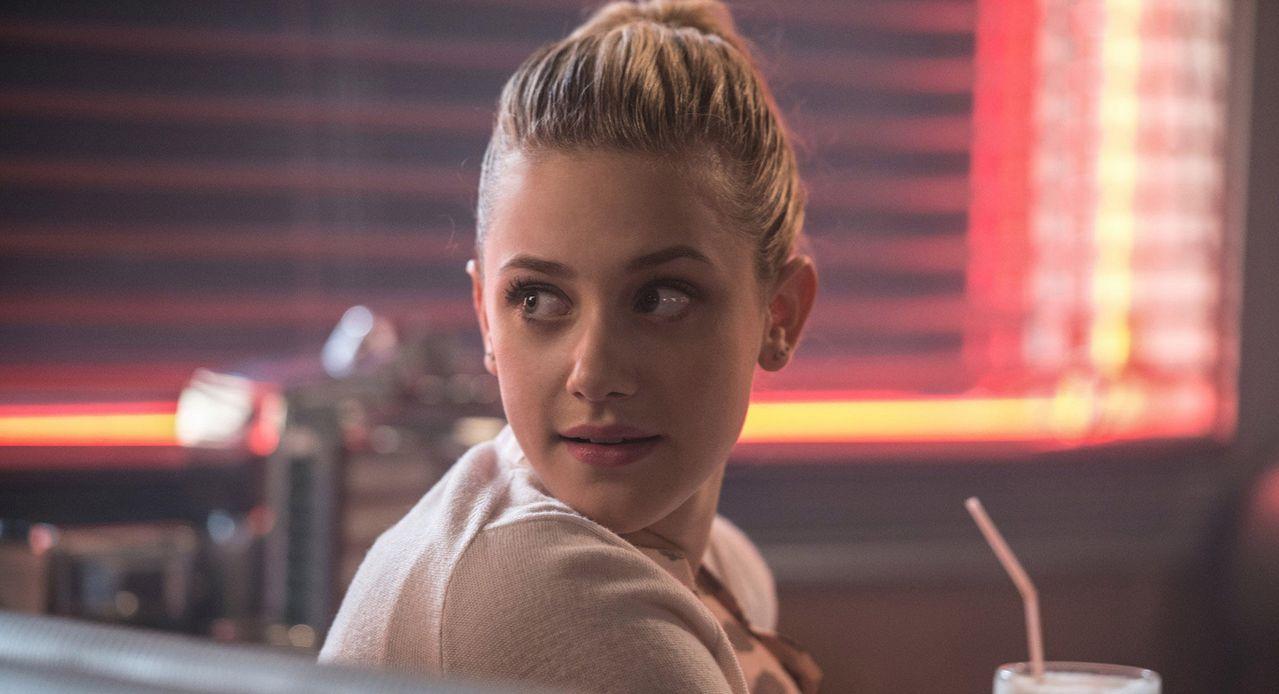 Riverdale Season 1 Finale Synopsis