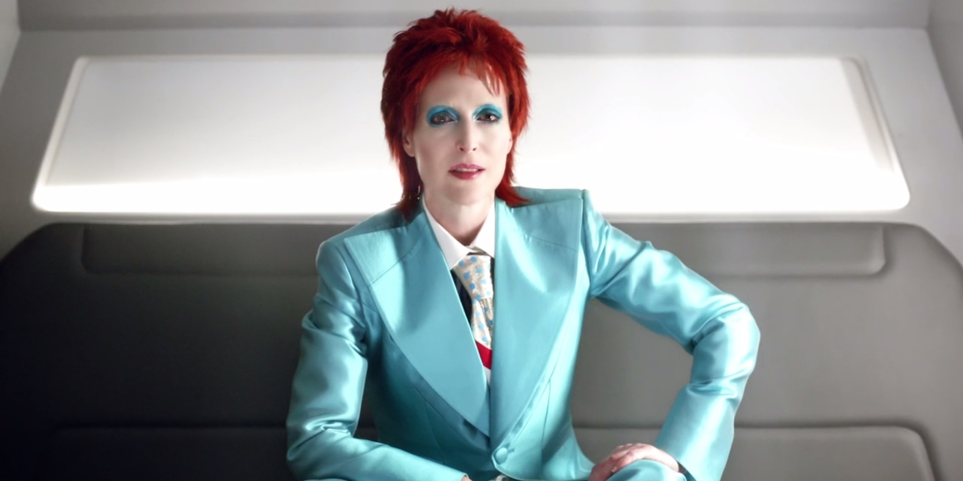 American Gods - Gillian Anderson as Media as David Bowie