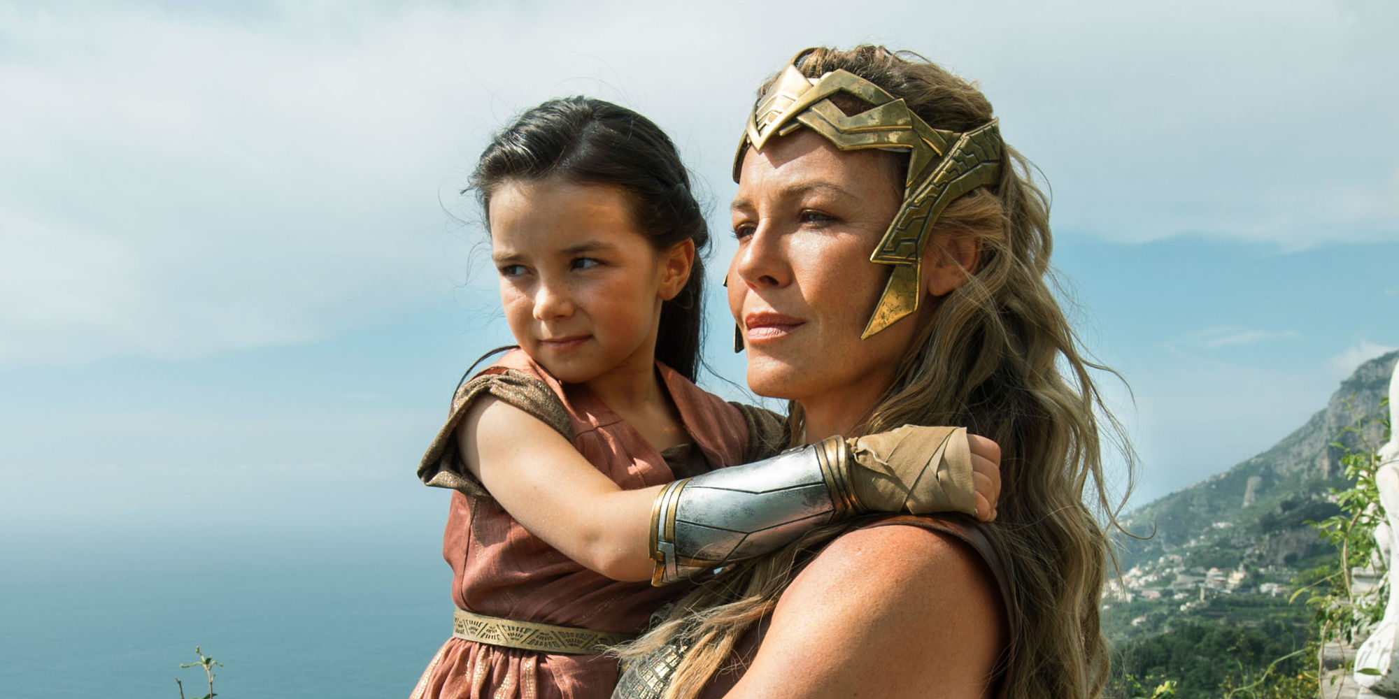 Wonder-Woman-Lilly-Aspell-Connie-Nielsen
