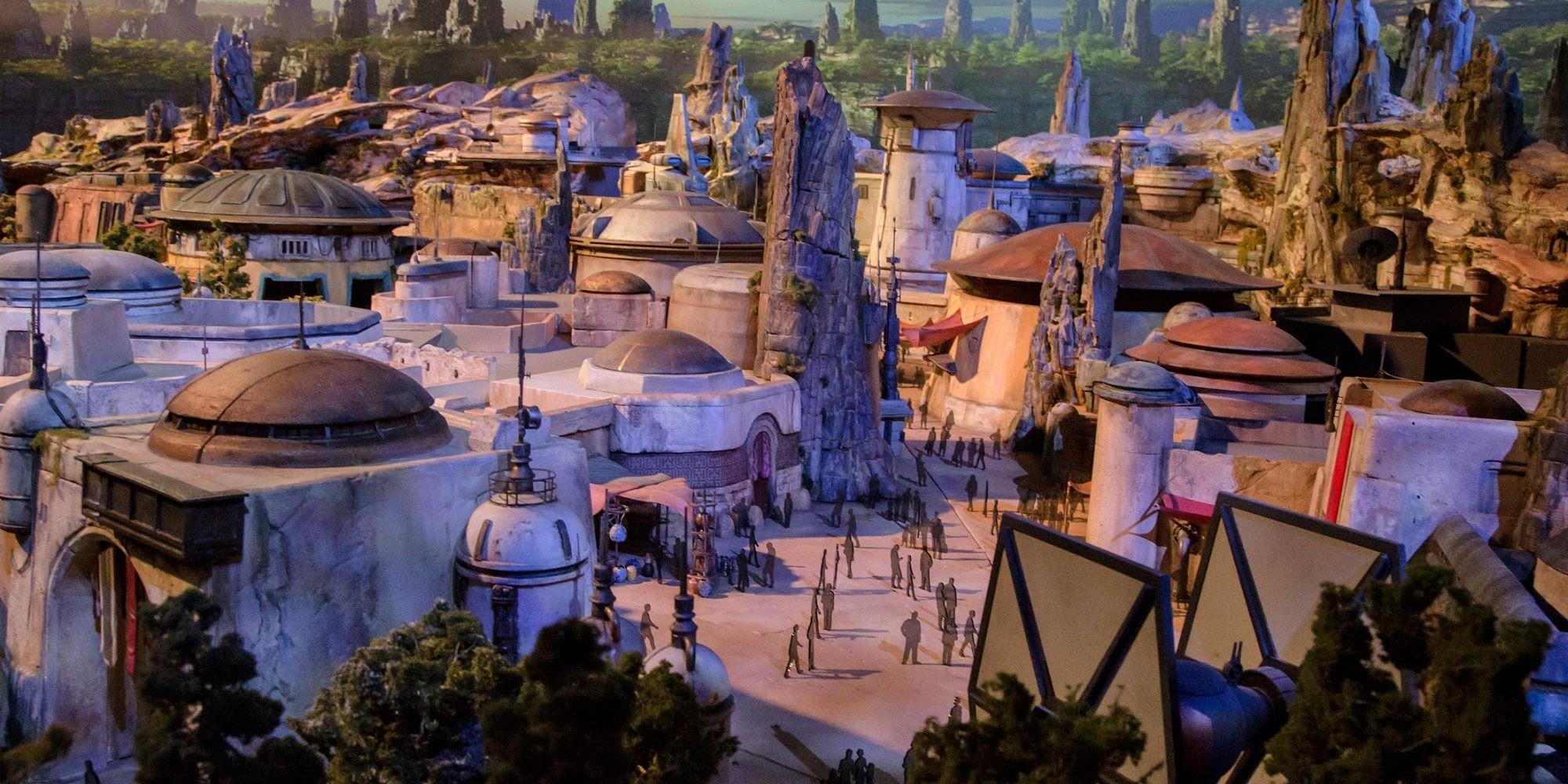Disney Star Wars Land Galaxy's Edge