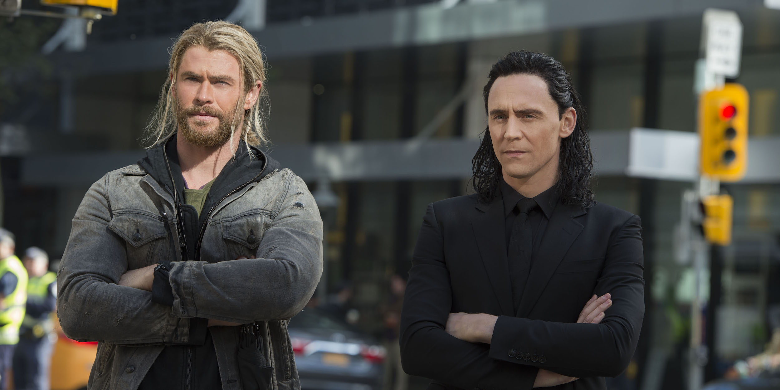 Thor & Loki Team Up in Funny Ragnarok Clip