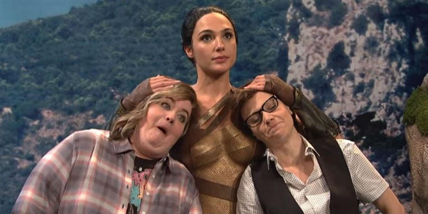 Aidy Bryant, Gal Gadot and Kate McKinnon on Saturday Night Live (Image - NBC)