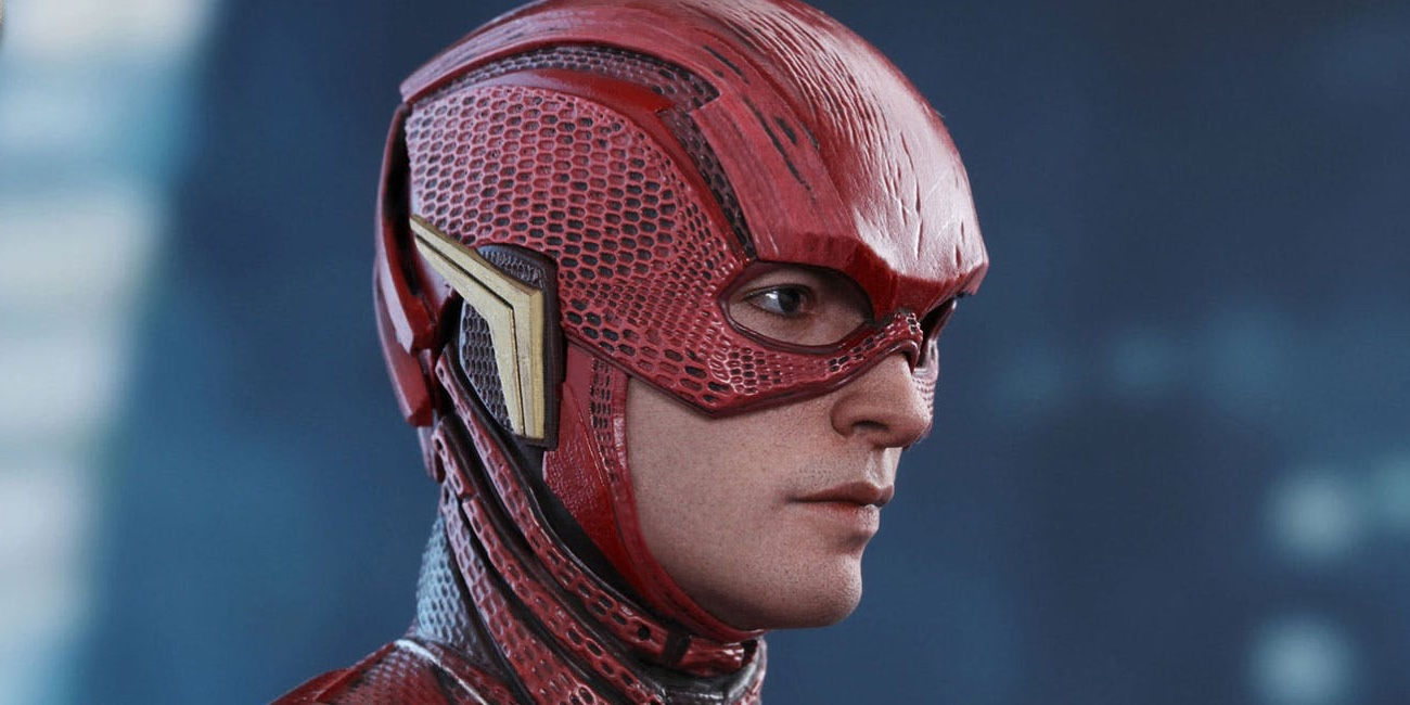 the flash gets detailed hot toys figure