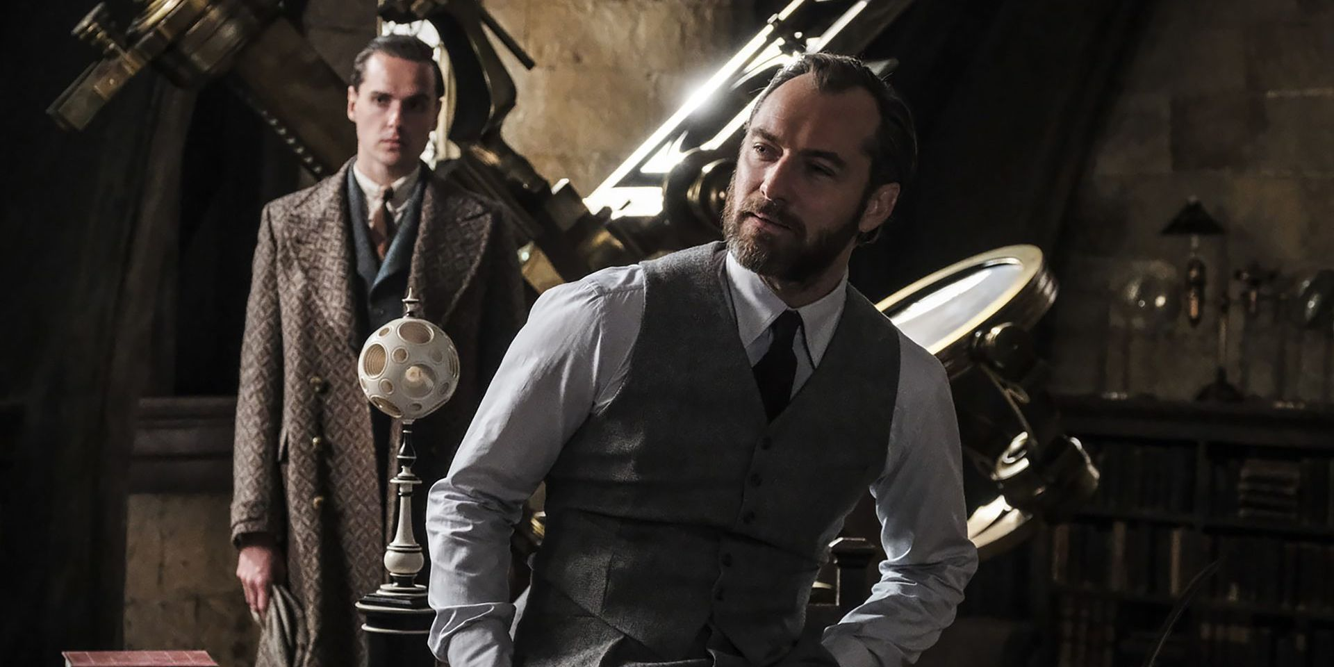 Fantastic Beasts Jude Law Dumbledore