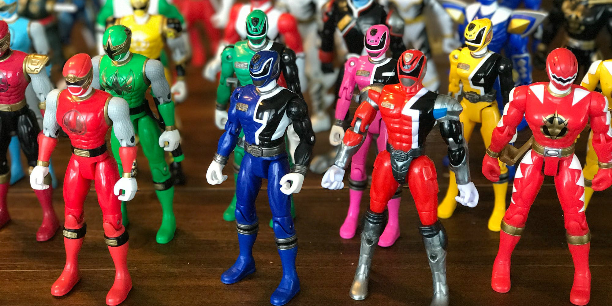 Best Power Ranger Toys And Action Figures : Hasbro nabs rights to all power rangers toys screen rant