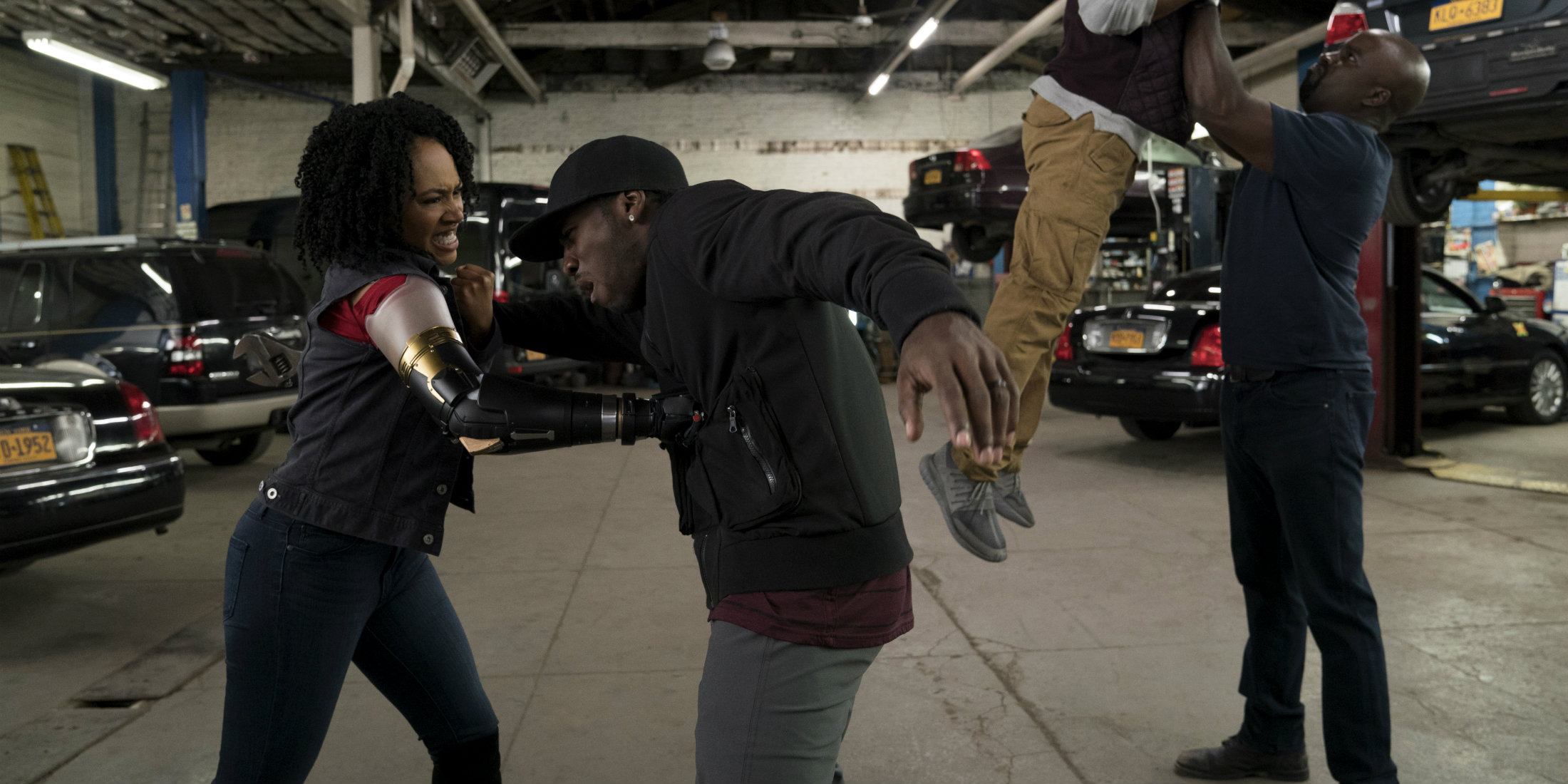 luke cage fight in season 2 images