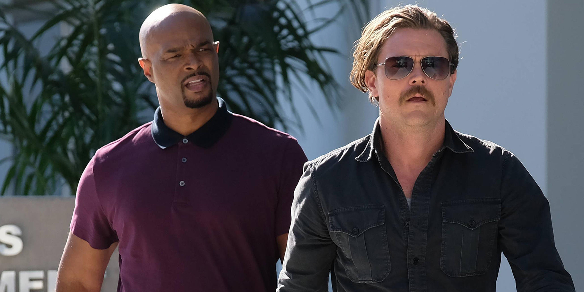 Damon Wayans and Clayne Crawford in Lethal Weapon
