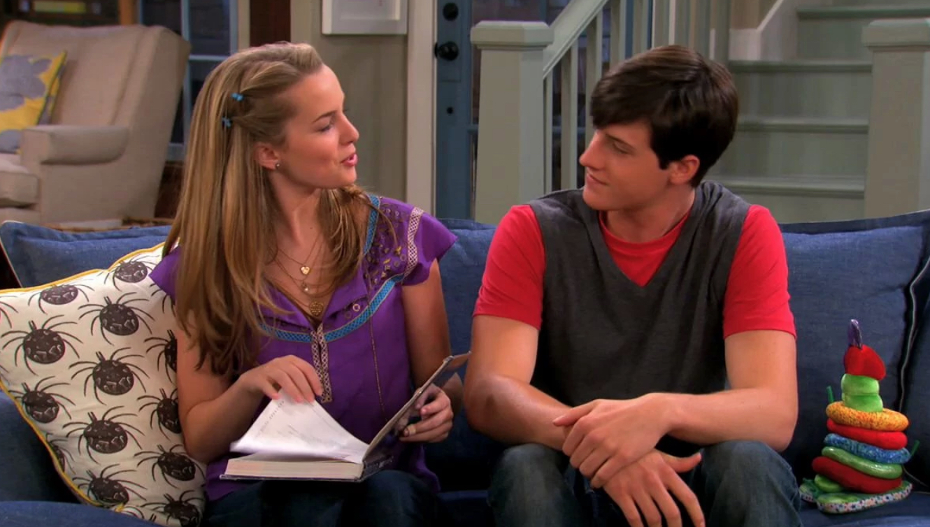 15 Couples That Hurt Disney Channel Shows (And 15 That Saved