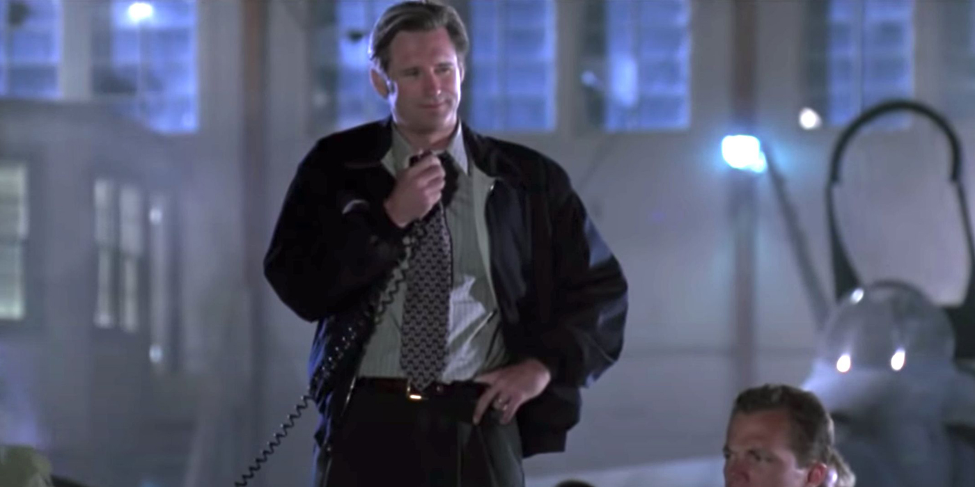 Bill Pullman delivering his presidential speech on Independence Day.