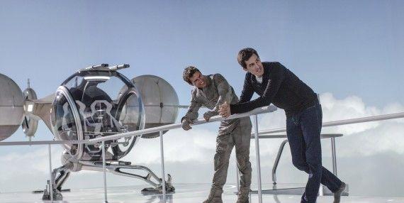 2417 D045 00081 R S CROPV2 570x286 Tom Cruise and Joseph Kosinski on the set of Oblivion