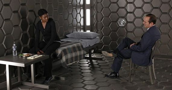 Agents of SHIELD season 1 episode 4 Reviews Agents of S.H.I.E.L.D.   What Have They Done to Coulson?