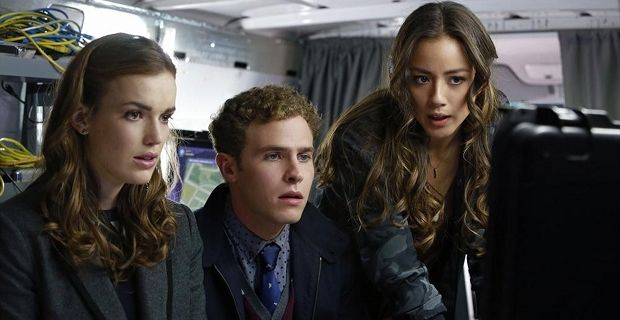 Agents of SHIELD season 2 renewal Agents of S.H.I.E.L.D.: Clark Gregg Says Season 2 Will Be Darker and Lo Fi