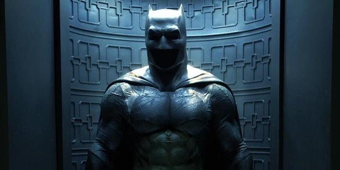 http://screenrant.com/wp-content/uploads/Batman-V-Superman-Affleck-Suit-Closeup.jpg