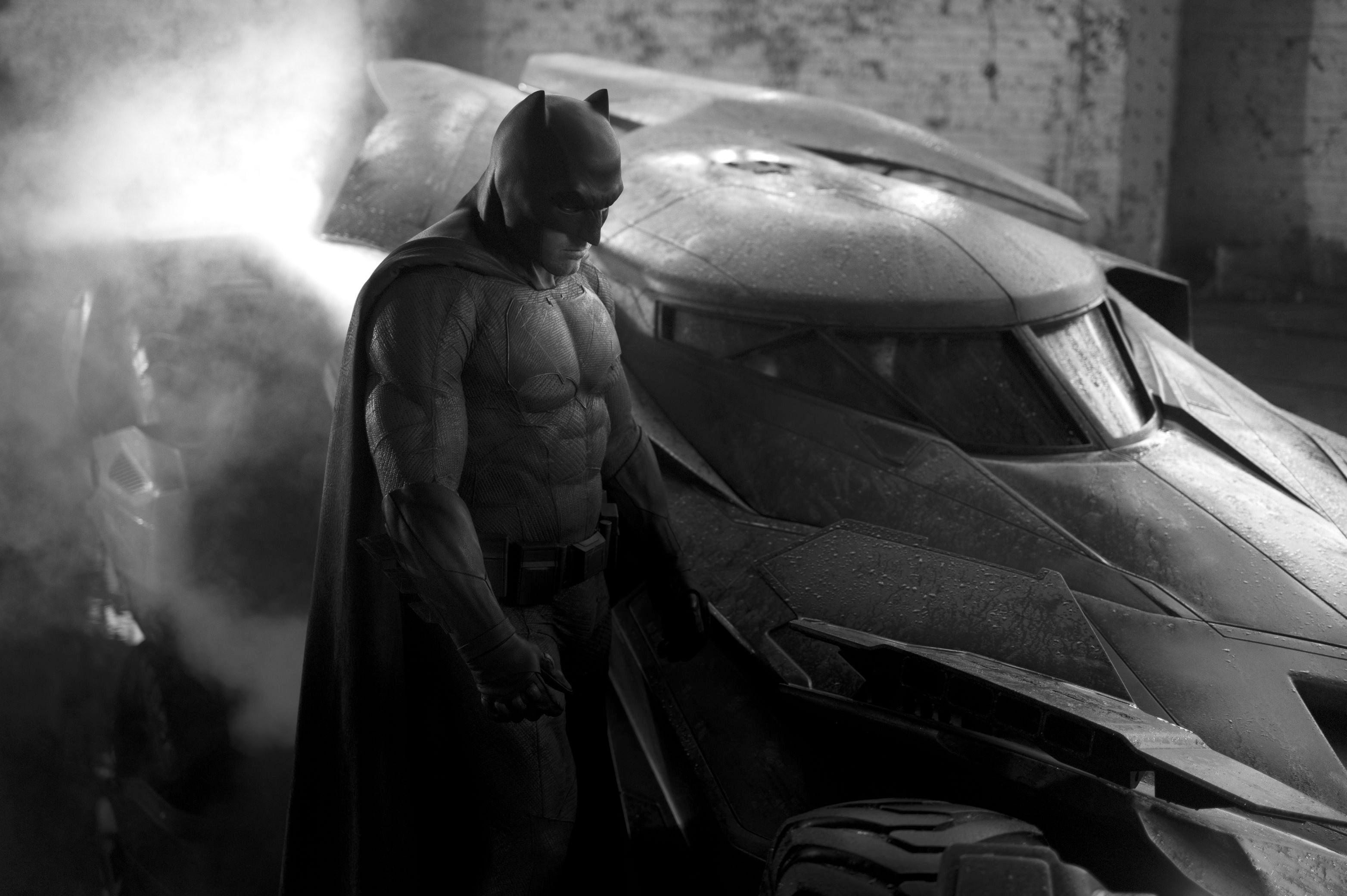 Batsuit Revealed Ben Affleck buff  and Affleck s close