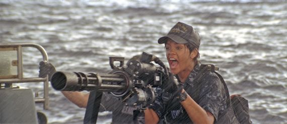 Battleship Rihanna Interview: Taylor Kitsch Talks Battleship & Oliver Stones Savages