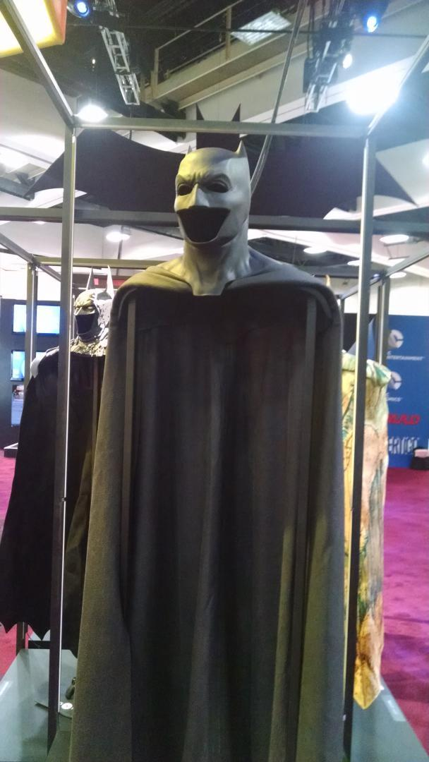 Comic-Con 2014: Ben Affleck's 'Batman v Superman' Cowl ... Batman Cowl Ben Affleck