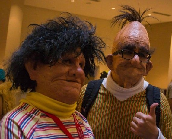 Bert And Ernie Real Life Cosplay 570x461 SR Geek Picks: Breaking Bad Cinematography, BAMF Girls Club, Star Wars X Men Mashup & More