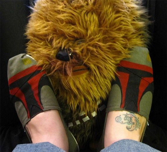 Boba Shoes1 570x518 SR Geek Picks: Angry Bird Avengers, Vader vs Batman, Custom Boba Fett Shoes & More!