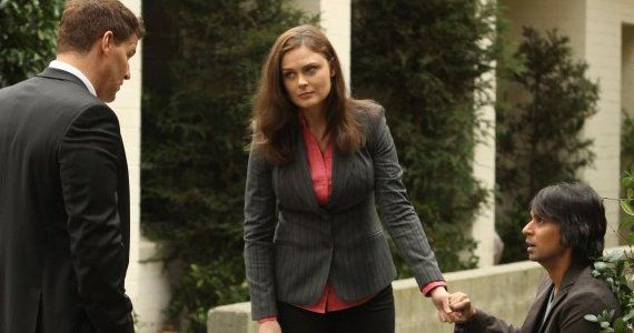 Bones season 8 episode 13 Booth Bren kneel Bones Season 8, Episode 13: Volcanoes and a Video