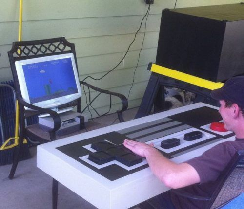 DIY NES Controller Coffee Table SR Geek Picks: Ordering A Pizza In 2015, Conan Reviews GTA V & More