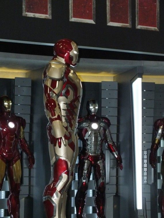 DSCF3081 570x760 Iron Man 3 Armor   Comic Con 2012   #2