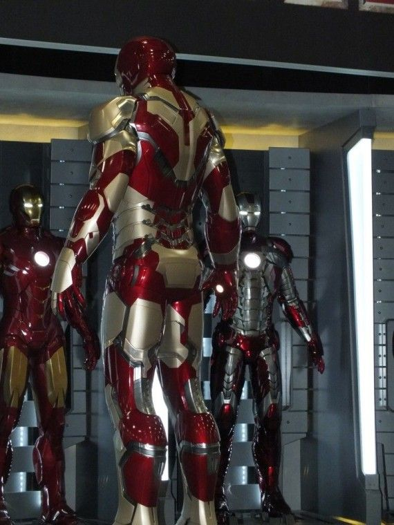 DSCF3086 570x760 Iron Man 3 Armor   Comic Con 2012   #7