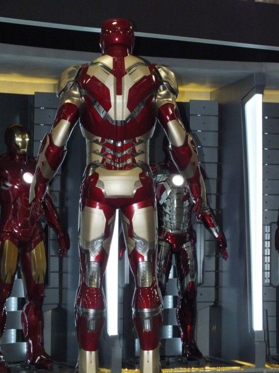 DSCF3087 570x760 Iron Man 3 Armor   Comic Con 2012   #8