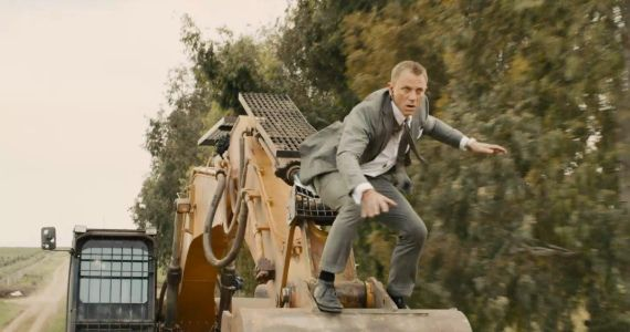 Daniel Craig in Skyfall Atop Train Skyfall Clip Shows James Bond & Trains Dont Mix