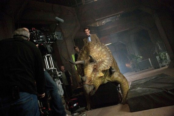 Dinosaurs on a Spaceship Behind the scenes 570x380 Dinosaurs on a Spaceship   Behind the scenes