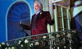 Donald Sutherland in Hunger Games Catching Fire 280x170 Hunger Games: Catching Fire Images: Katniss, Finnick, Gale, Peeta, Haymitch & More [Re Updated]
