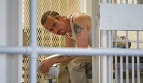 Edward Norton in Stone New Clips of Norton & De Niro in Prison Drama Stone
