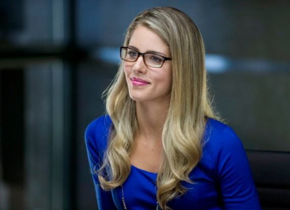 Emily Bett Rickards as Felicia in Arrow Season 2 570x414 Emily Bett Rickards as Felicity in Arrow Season 2