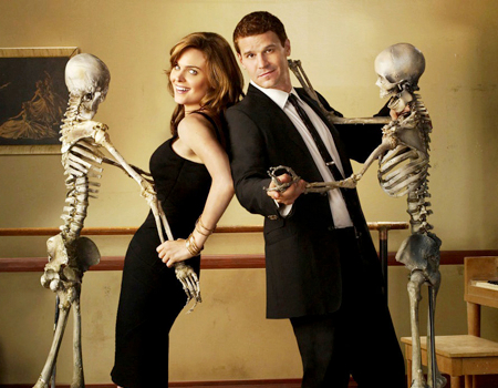 Emily Deschanel and Davie Boreanaz in Bones