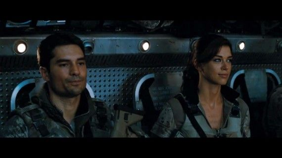 GI Joe 2 011 570x320 Two of the G.I. Joe crew in a scene from Retaliation