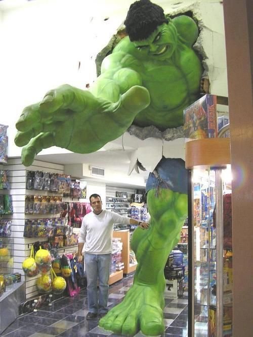 Giant Hulk Comic Shop Giant Hulk Comic Shop