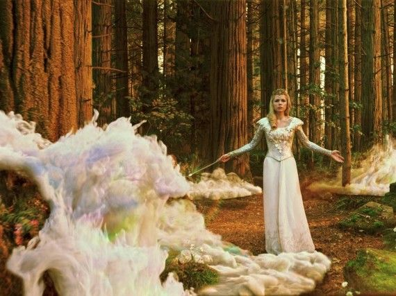 Glinda Oz Great and Powerful 570x427 Glinda the Good Witch in Oz, The Great and Powerful