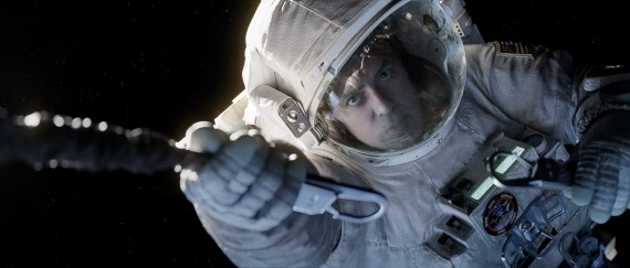 Gravity Still 3 570x243 George Clooney in Gravity