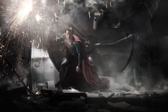 Henry Cavill as Superman in Man of Steel 570x379 First Image of Henry Cavill as Superman in Man of Steel