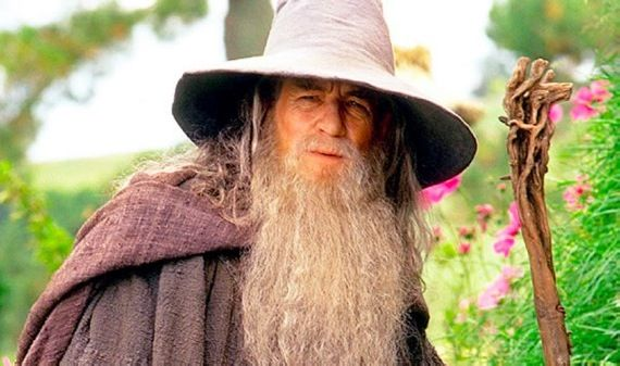 Ian McKellen as Gandalf the Grey in The Hobbit Ian McKellen Offers Early Hobbit Update